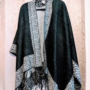 Black and gray Fringe shawl will style cover up